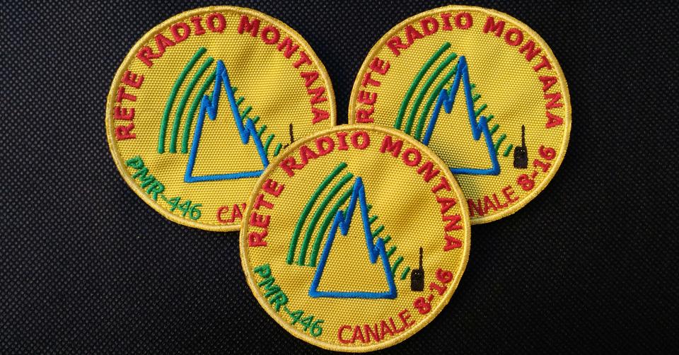 Patch ufficiale Rete Radio Montana – base giallo – 3 pezzi