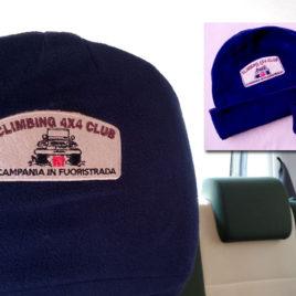 Coppia di Poggiatesta e Cappellino in pile ricamati del Climbing 4×4 Club – Campania in Fuoristrada